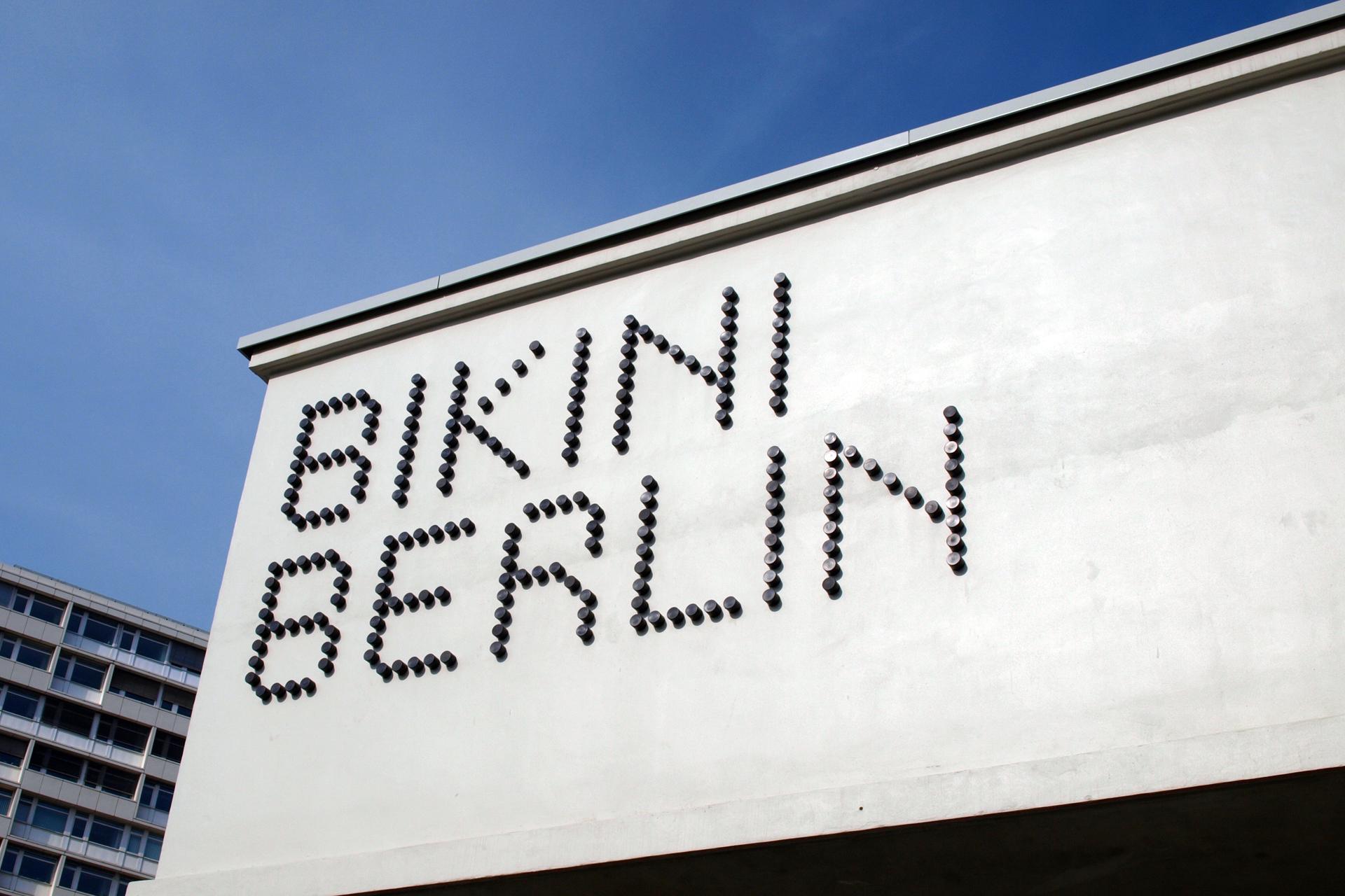 buchstabenplus, bikini, berlin