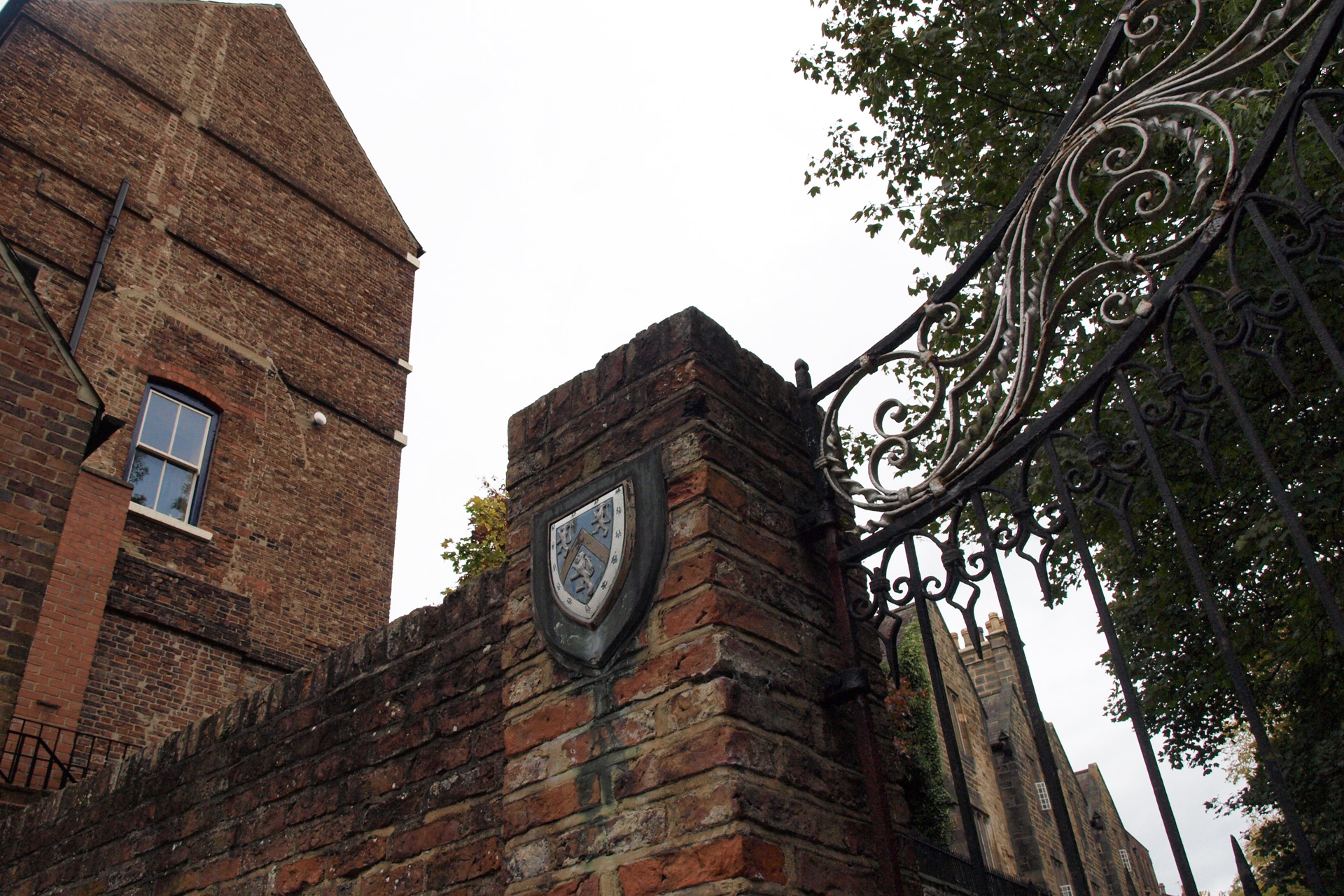 buchstabenplus, Durham