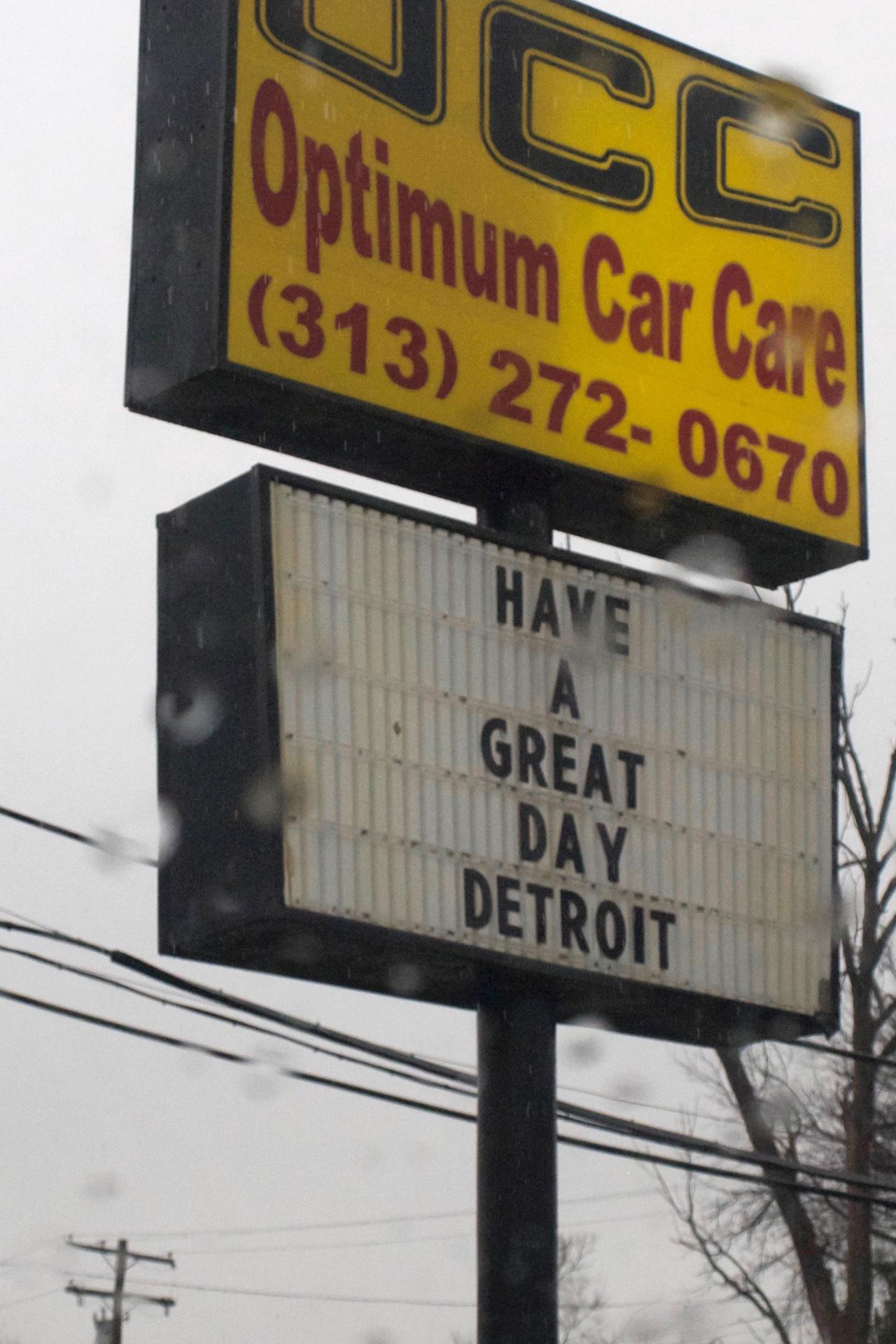 Detroit, buchstabenplus