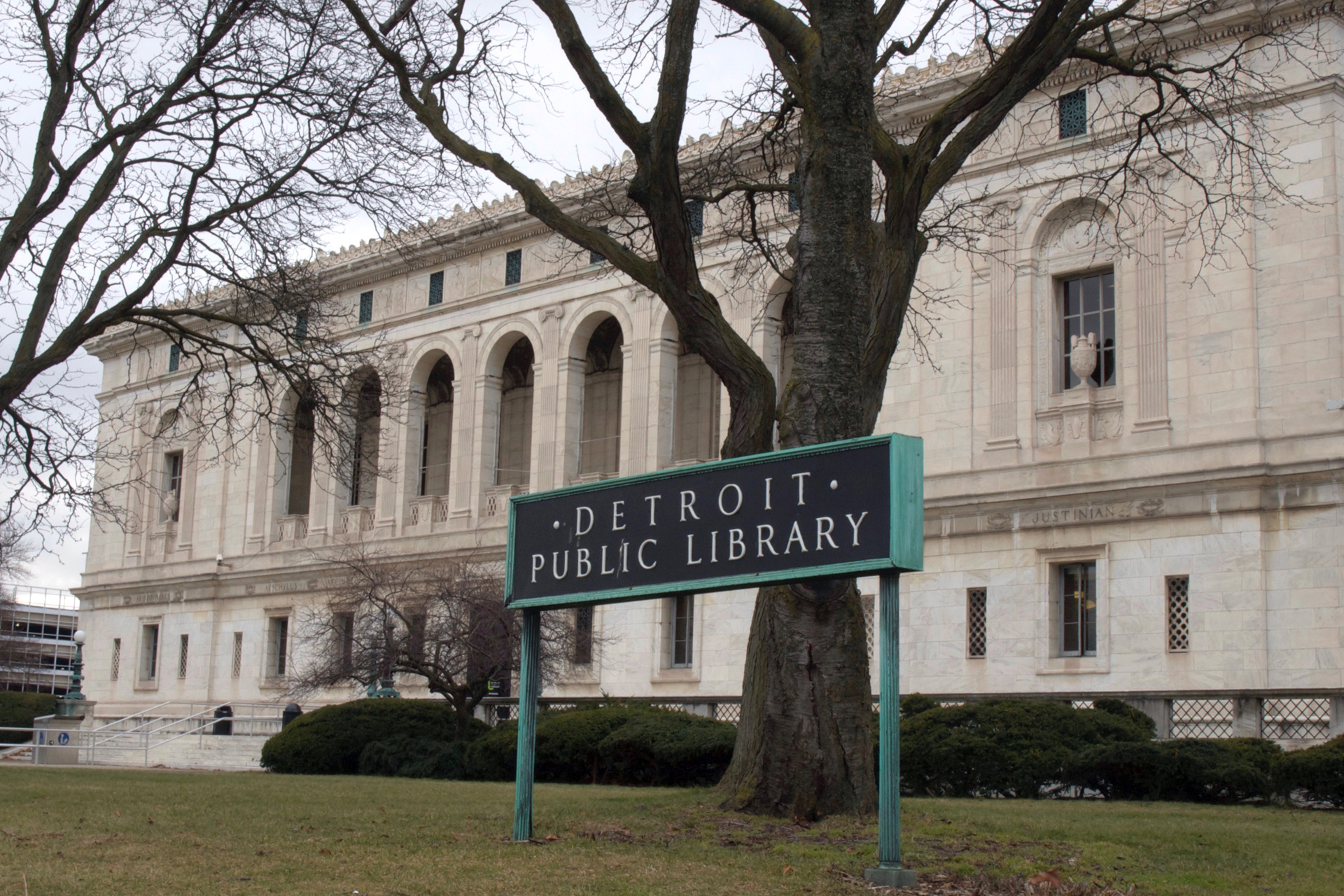 buchstabenplus, Detroit, library