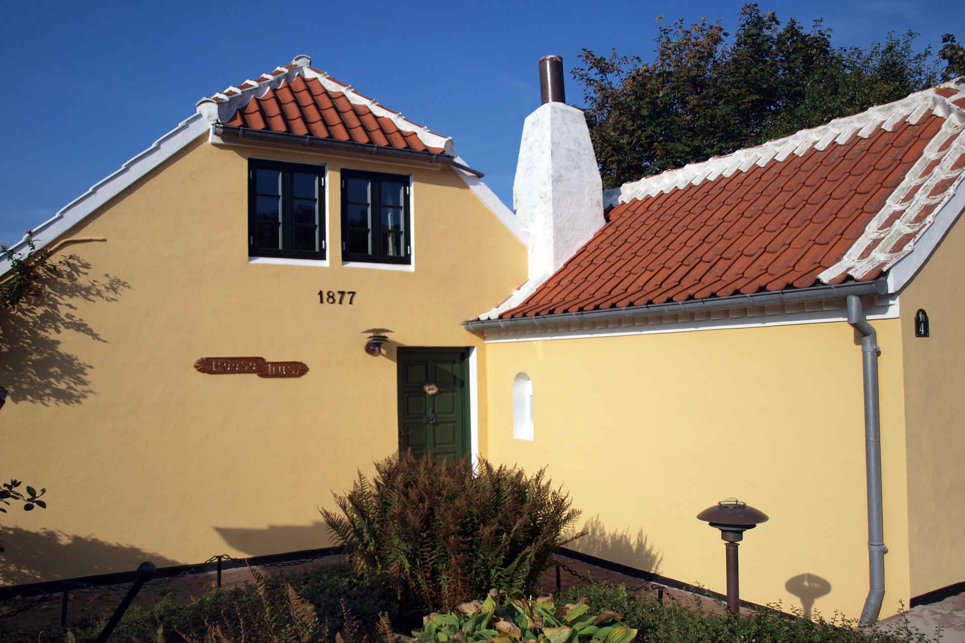 buchstabenplus in Skagen: typisches Skagenhaus
