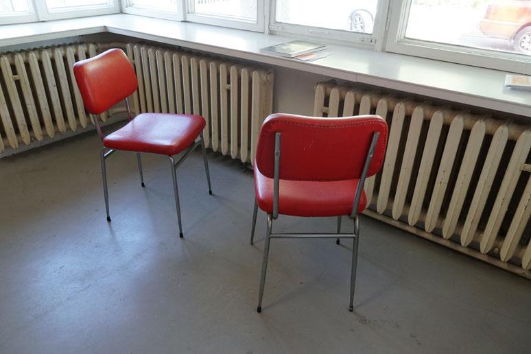 fahrbereitschaft_haubrok_chairs_buchstabenplus