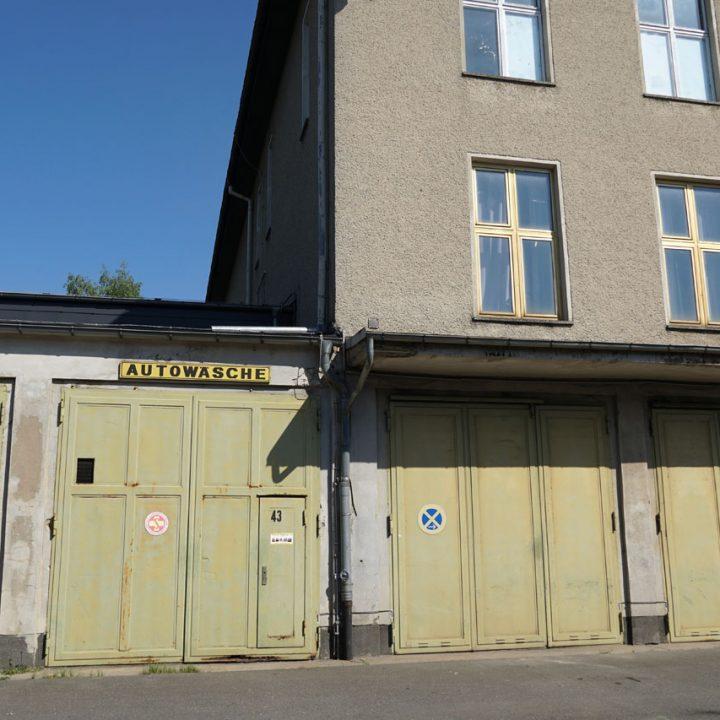 fahrbereitschaft_haubrok_garage_buchstabenplus
