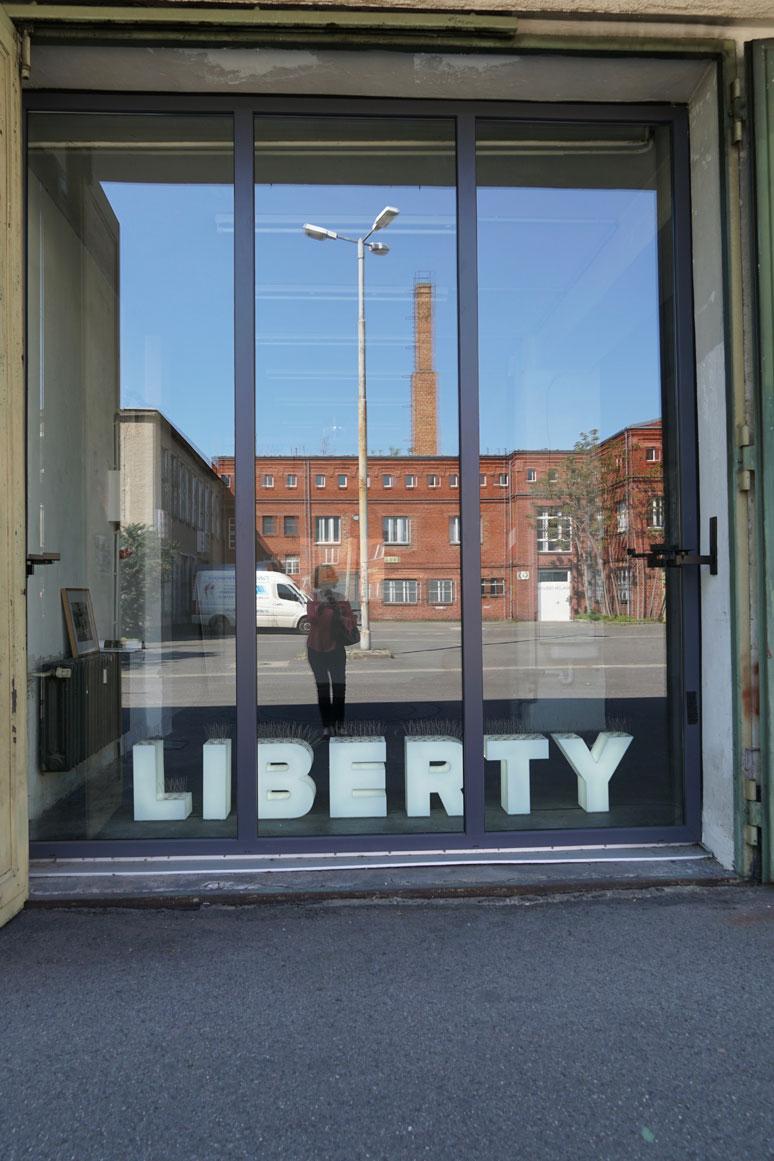 fahrbereitschaft_haubrok_liberty_buchstabenplus srcset=