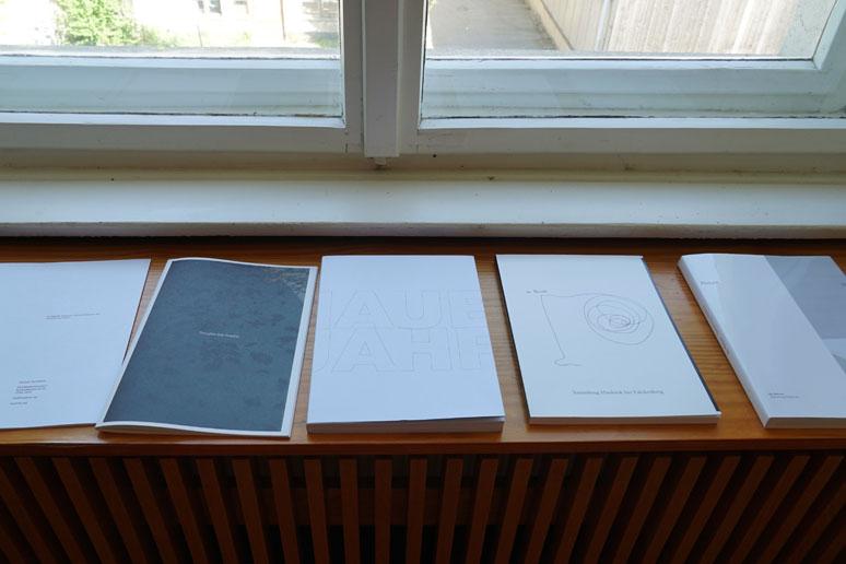 fahrbereitschaft_haubrok_paperworks1_buchstabenplus srcset=