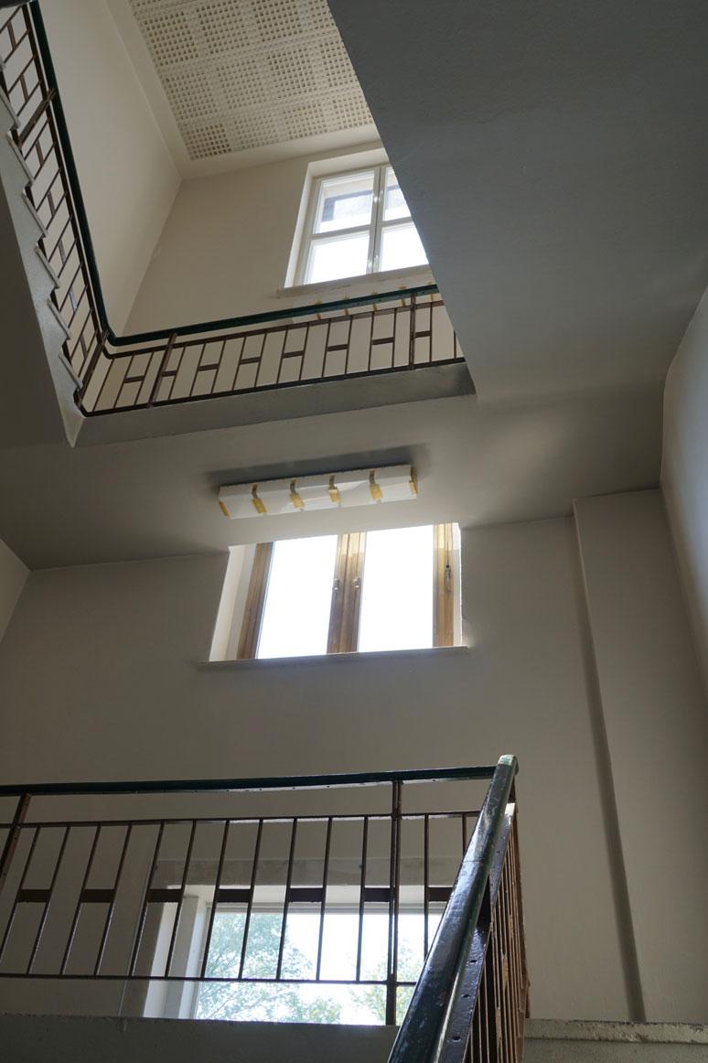 fahrbereitschaft_haubrok_staircase_buchstabenplus srcset=