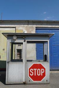 fahrbereitschaft_haubrok_stop_buchstabenplus